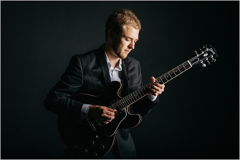 Businessportraits Musiker mit Gitarre